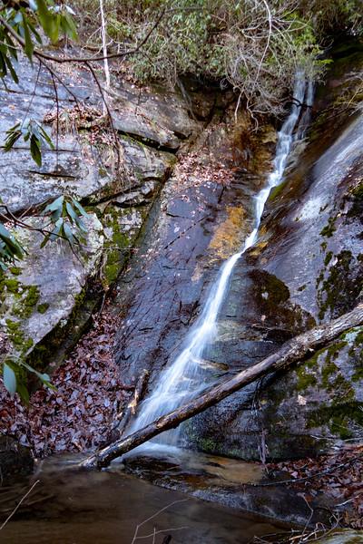 Rock Cliff Falls -- 2,900'