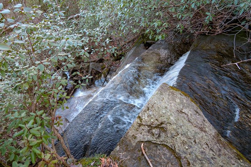 Cliff Falls -- 2,820'
