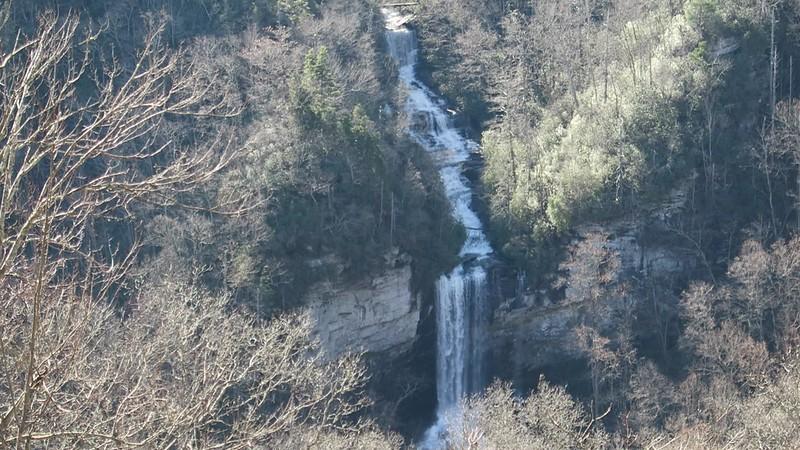 Raven Cliff Falls -- 2,850'