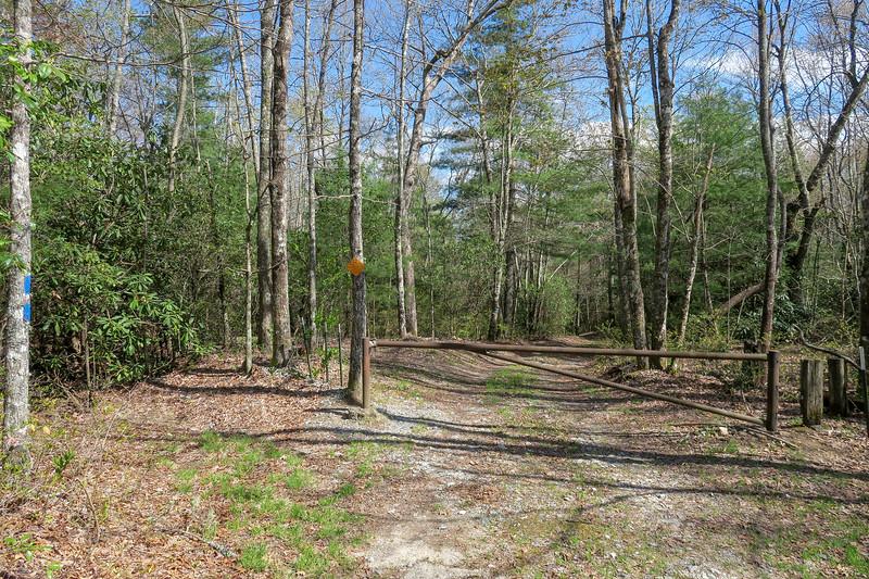 Gum Gap Trailhead (Foothills Trail Spur) -- 3,060'