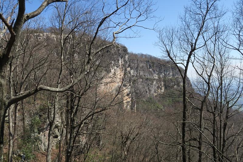 White Rocks Overlook Trail - 3,260'