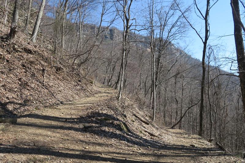 Ewing Trail - 2,580'