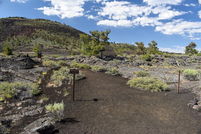 Broken Top Loop/Wilderness Trail Junction -- 5,850'
