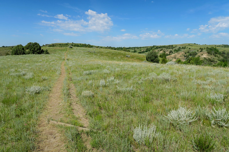 Caprock Coulee Trail -- 2,420'