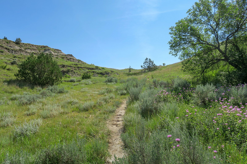 Caprock Coulee Trail -- 2,330'