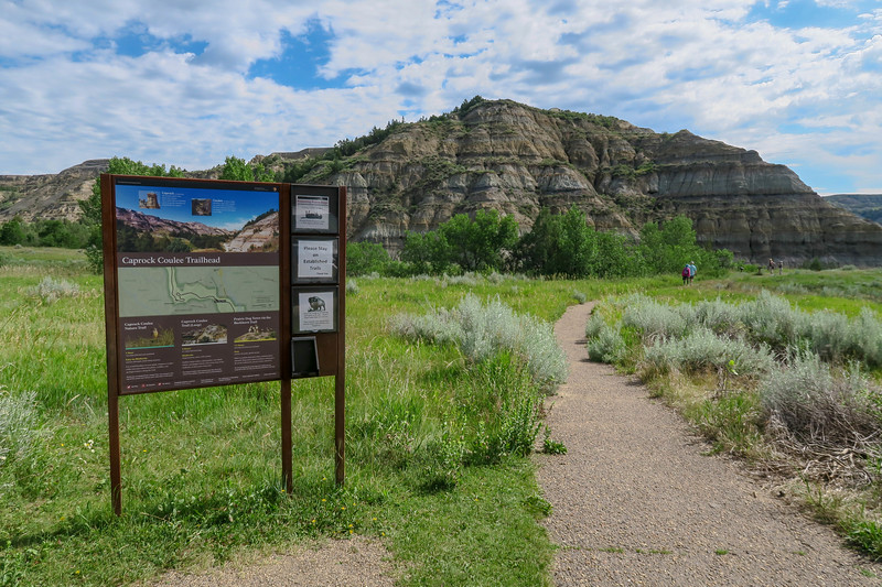 Caprock Coulee Trailhead -- 2,060'