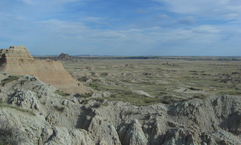Badlands Rim Road -- Cliff Shelf Trailhead