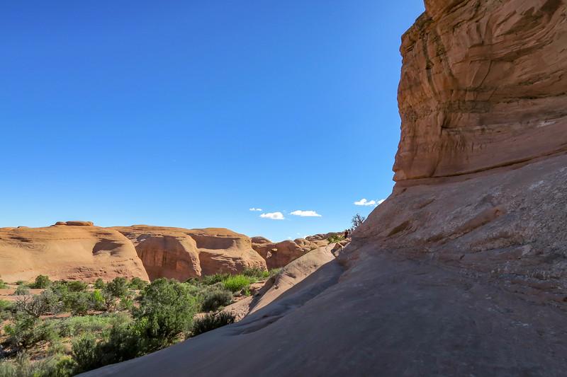 Delicate Arch Trail-- 4,800'