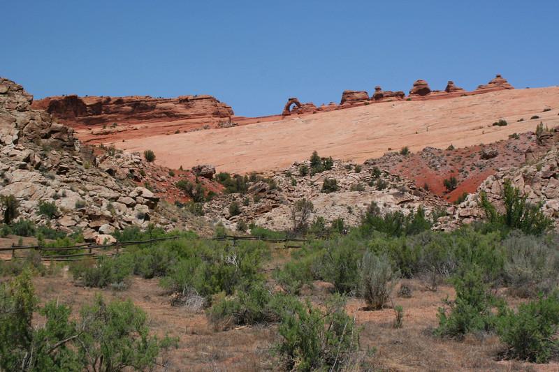 Delicate Arch Trailhead - 4,350'