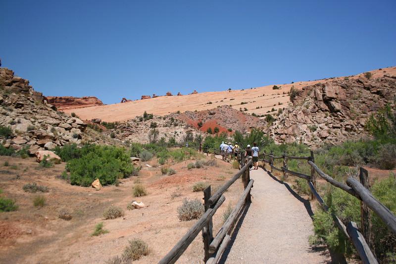 Delicate Arch Trail - 4,360'