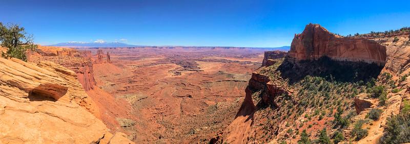 Mesa Arch Trail -- 6,100'