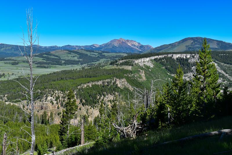 Bunsen Peak Trail -- 7,830'