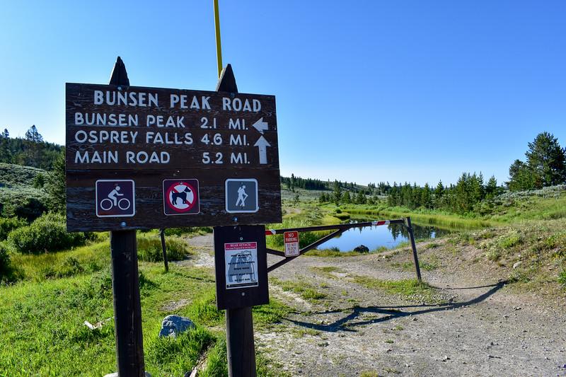 Bunsen Peak Trailhead -- 7,250'