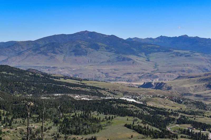 Bunsen Peak Trail -- 7,950'