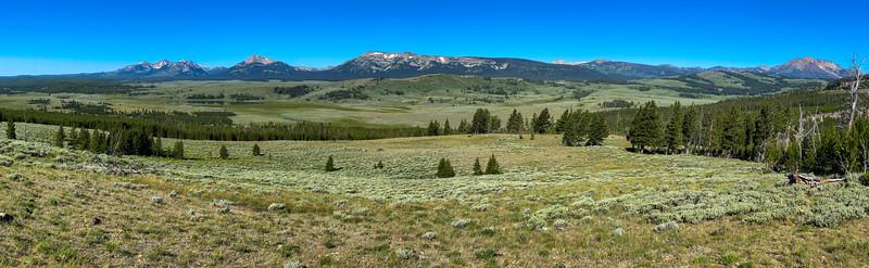 Bunsen Peak Trail -- 7,670'