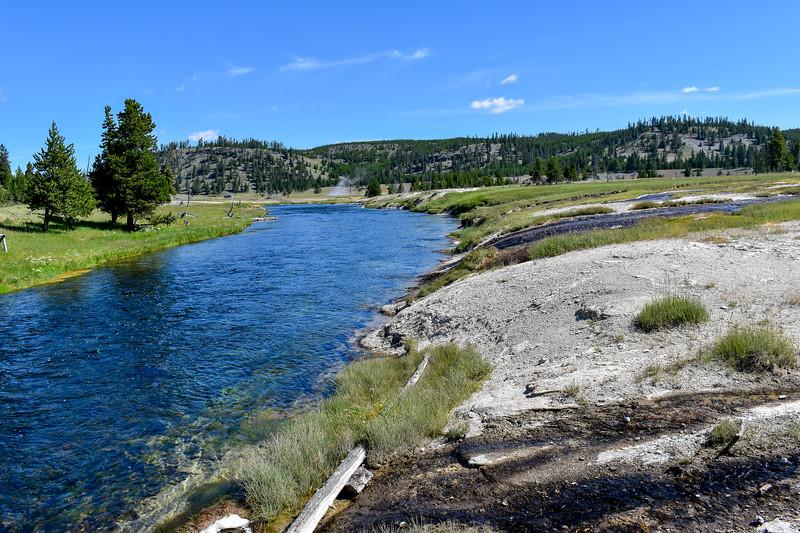 Fairy Falls Trail (Firehole River) -- 7,260'