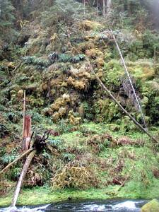 Cliff opposite upper falls