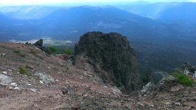 More rock formations on the east side of Olallie Butte