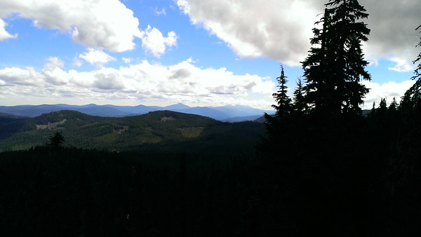 Looking south from the top of Frazier Mountain - you can see Olallie Butte and the bottom of Mt Jefferson (it was in the clouds)