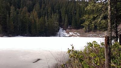 Frozen Memaloose Lake