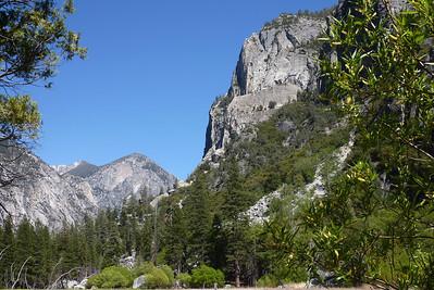 2014 May  Zumwalt Meadow Kings Canyon NP California