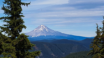 Mt Hood from the overlook on Rimrock Trail