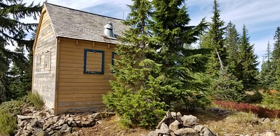 The cabin on Hawk Mountain - amazing it still survives - it must be over 80 years old!