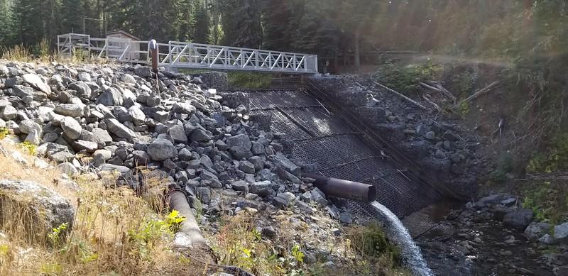 The diversion dam partway up the trail