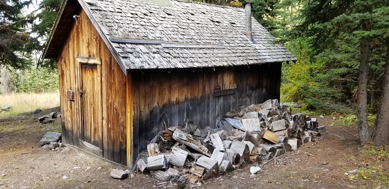"""Closeup of the old cabin near the diversion dam - maybe this was related to the """"Royal Purple Mine"""" listed on the map?"""