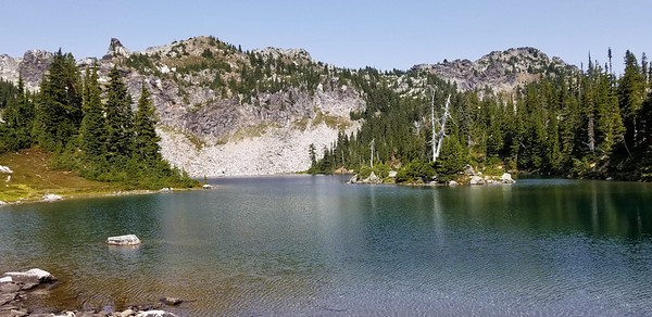 Minotaur Lake with Laybrynth Mountain behind