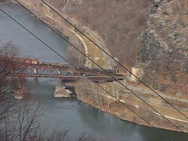 11 Video_CXX Train passing through Maryland Heights Tunnel
