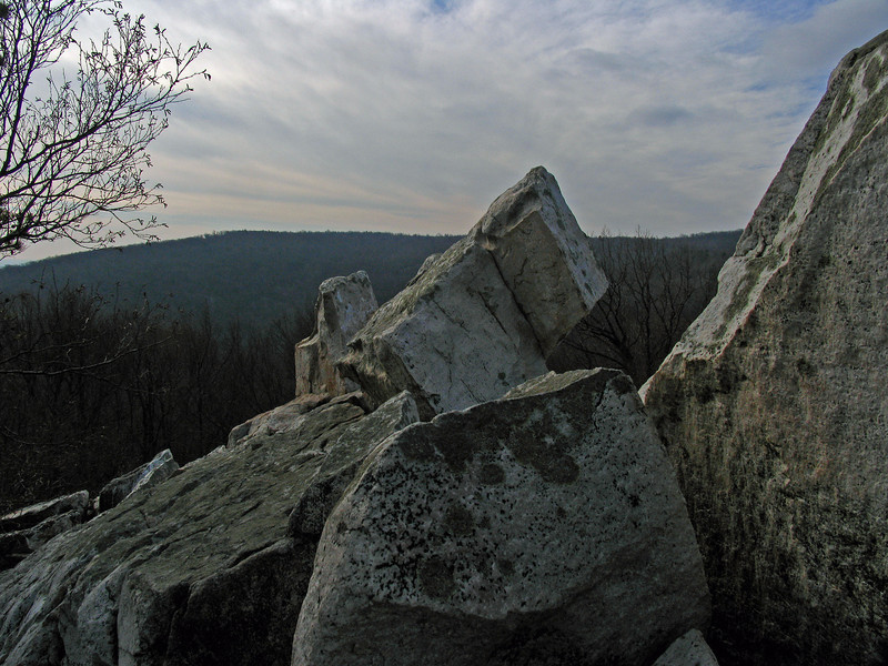 16 Cat Rock summit Quartzite boulders_1562ft
