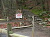 01 Trailhead_MD 77 parking area_1 25 m to Cat Rock