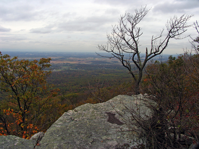 042 Spectacular Black Rock Cliffs view of Cumberland Valley