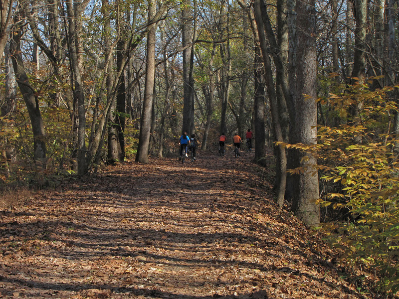 12 Cyclists_towpath near Hooks Falls
