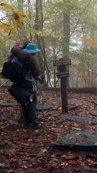 Blue-blaze trail leads to Weverton Cliff overlook