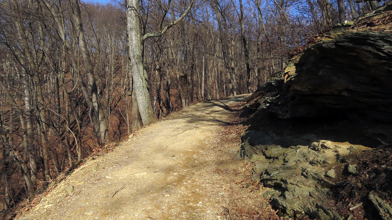15 Large rocks on Md Heights Trail