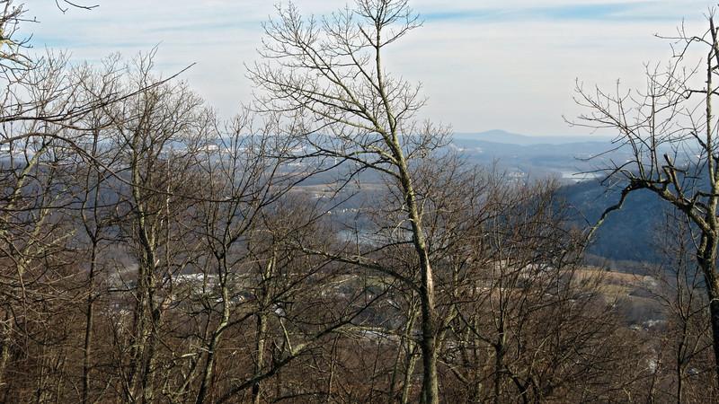 58 Potomac cuts between South Mtn and Short Hill Mts