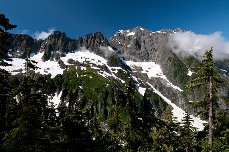 The hike up to Cascade Pass looking south.