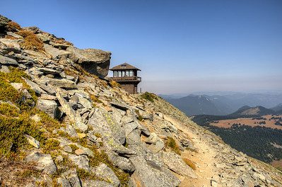 Coming around the north side of the ridge to the fire lookout.