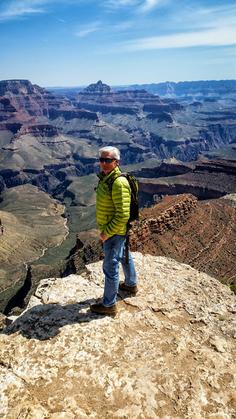 On the way out of the Grand Canyon the next day I stopped at a little known overlook Crista told me about (she got married there!) The views were clear and expansive with no crowds!