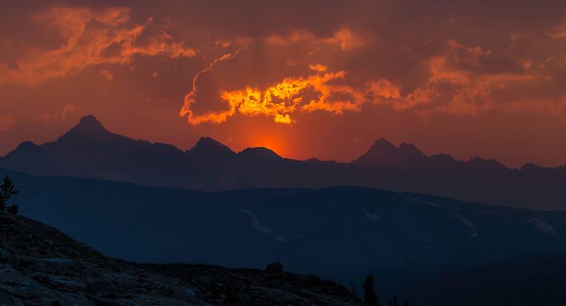 Fire sunset Thousand Island Lake 9-2-17_MG_3995