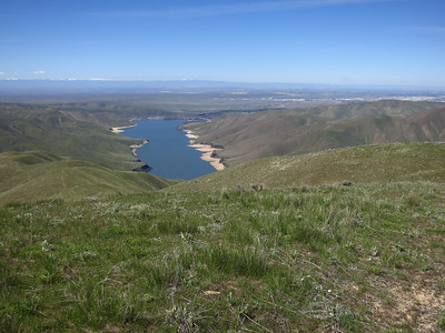 Broader view of Lucky Peak reservoir and Boise.