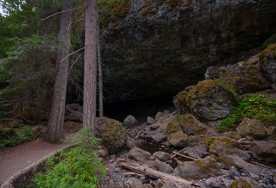 Boulder Cave National Recreational Trail