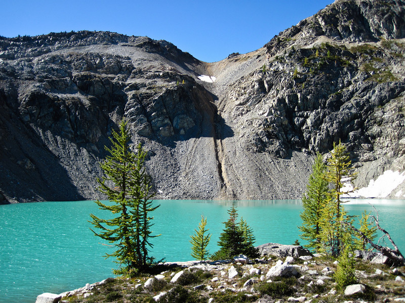 A good look at the color of the lake.