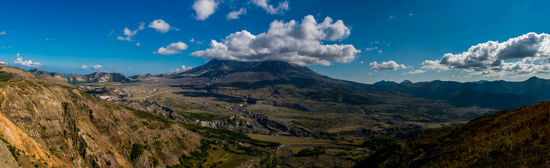 Panoramic view of Mount Saint Helens and the surrounding area from the Johnston Ridge Observatory.
