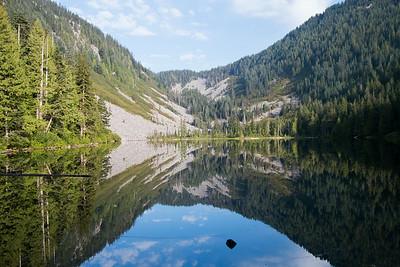Day Hike to Lake Talapus and Island Lake