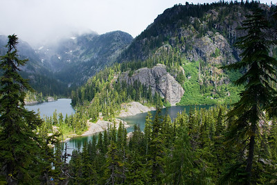 Spectacle Lake from the trail leading down from PCT