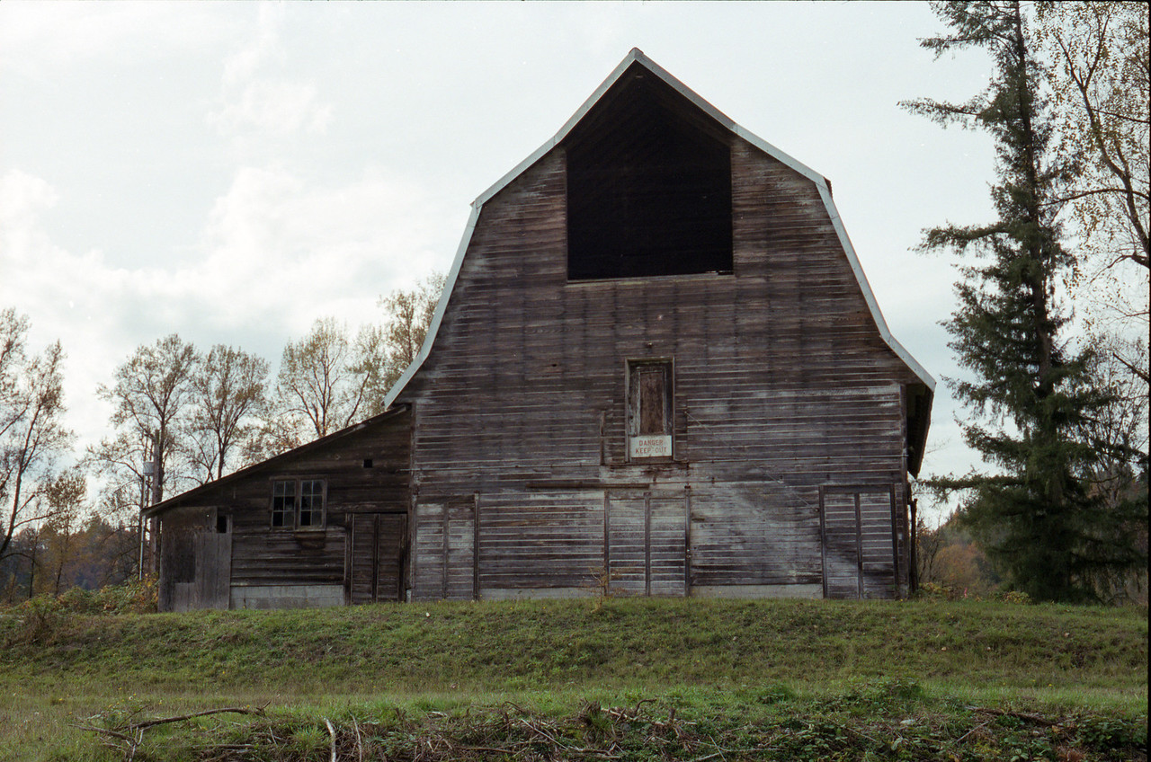 Barn at Flaming Geyser State Park