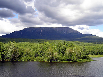 We made a quick detour take pictures of Katahdin from Abol Bridge (Picture courtesy of Poetree)